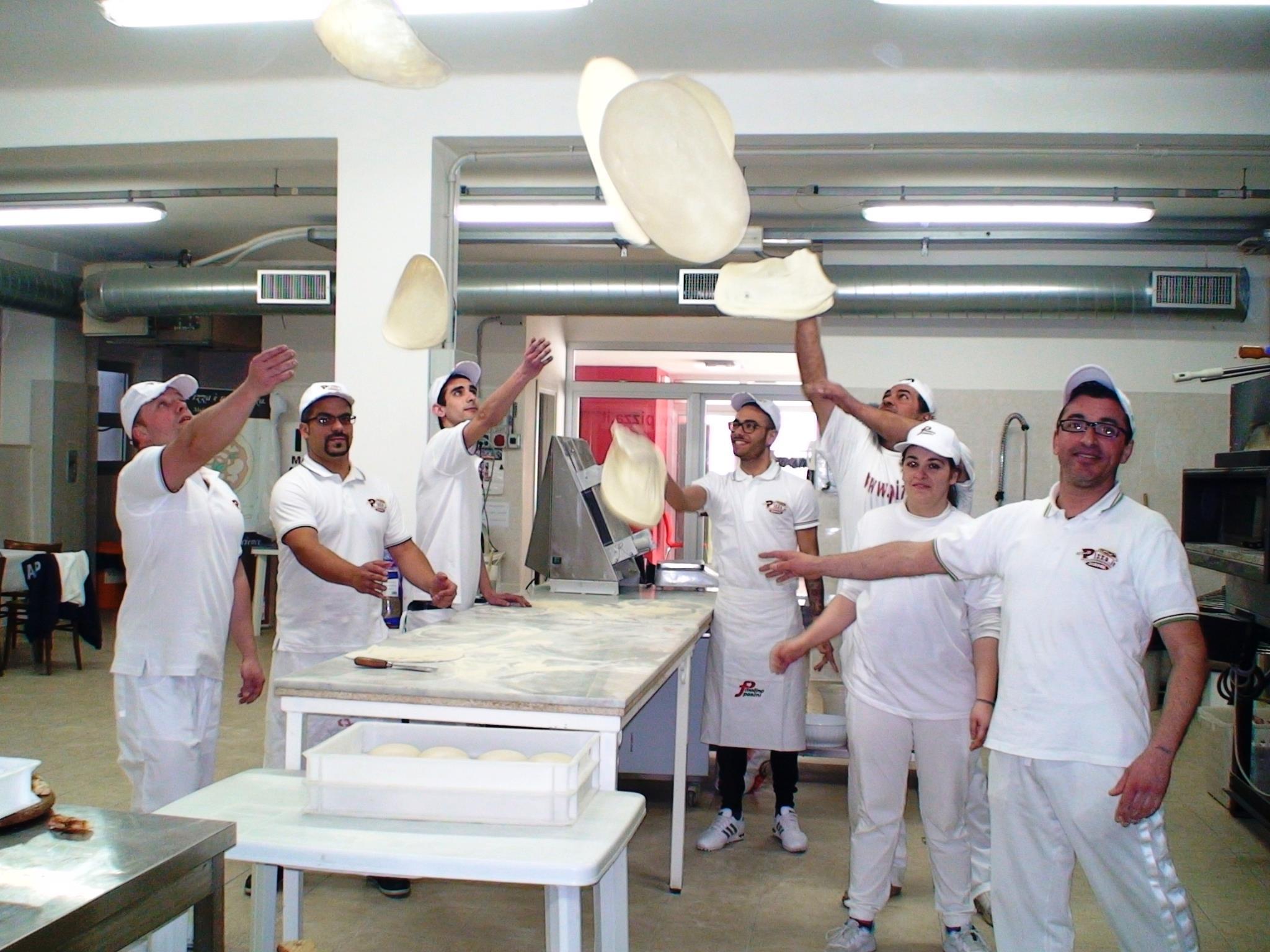 Pizza acrobatica - Pizza.it School - Scuola formazione pizzaioli professionisti